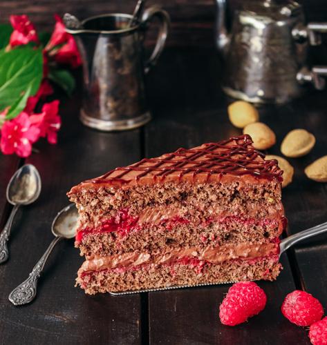 Čokoladna-malinasta torta