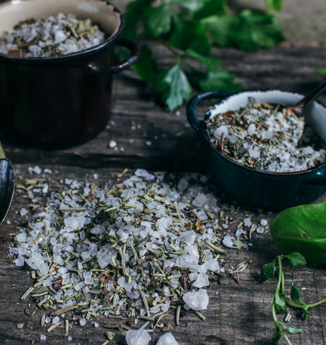 Sol sa začinksim biljem