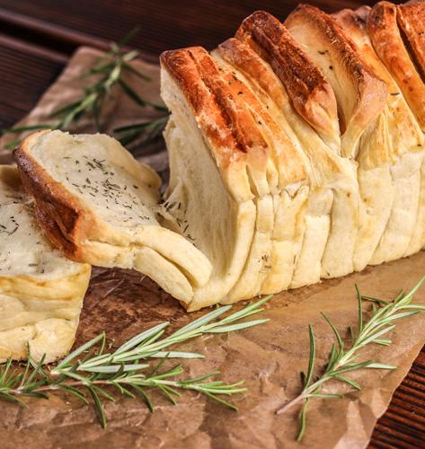 Kruh s provansalskim travama