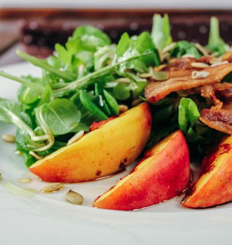 Salata s nektarinama