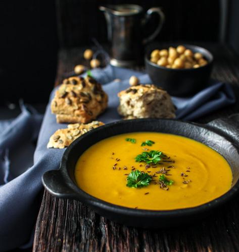 Krem juha s lećom i slanutkom