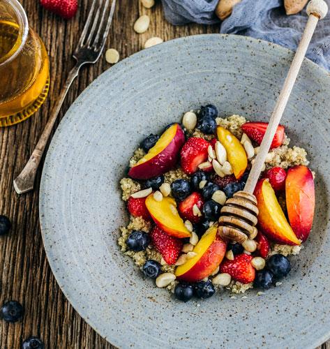 Kvinoja kaša s voćem